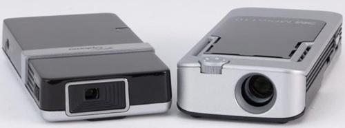 PK101与Mpro110的尺寸可以说约略相当