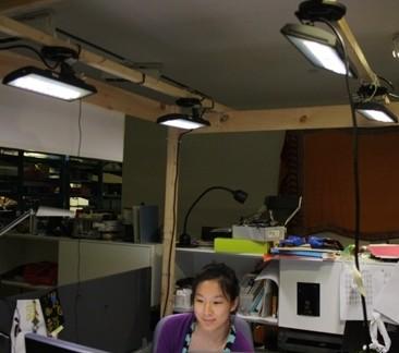 麻省理工媒体实验室:四个LED照明装置组成的测试系统