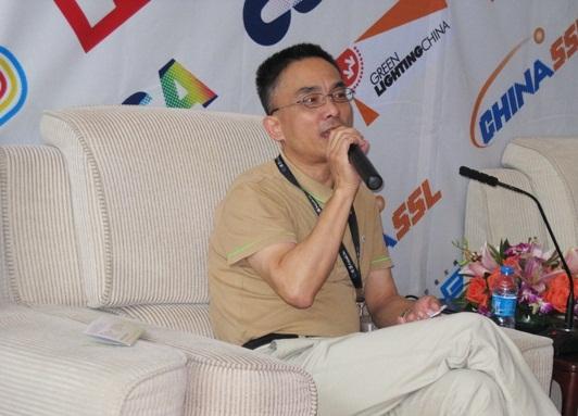 上海蓝宝光电材料有限公司总经理李刚先生
