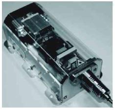 多个微通道冷却半导体激光堆集成光纤耦合输出模块结构