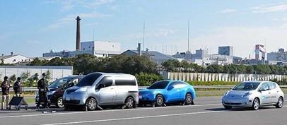 日产开发出利用传感器检测车辆周围障碍物 可自动转向避免碰撞的功能