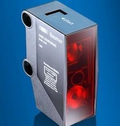 堡盟推出无需反射板的智能反射式光电传感器SmartReflectTM