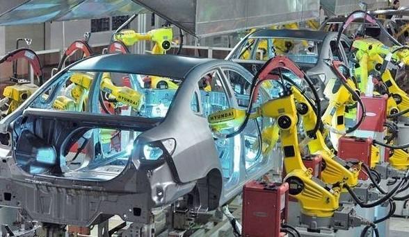 北京现代汽车生产线上的机器人