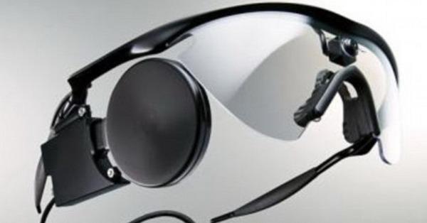 窃听视频眼镜_一些盲人使用特殊眼镜看见物体轮廓,眼镜上的视频摄像头将数据发送