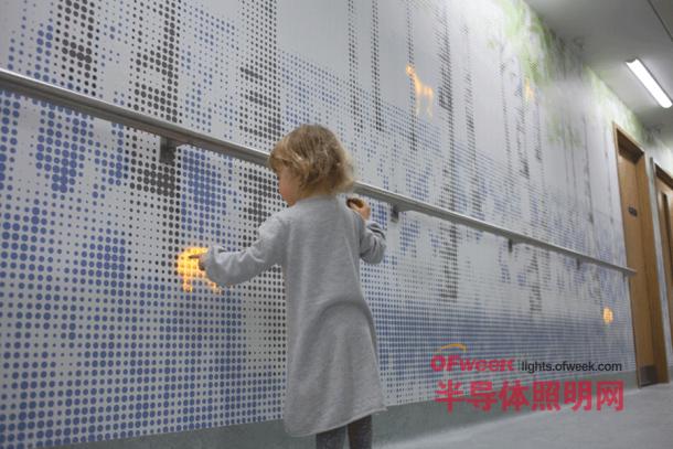 奇特的魔法森林LED墙 为进入手术室的孩子缓解惊骇