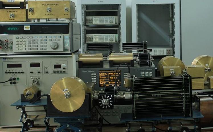 四端电阻时间常数标准装置