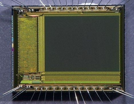 """互补金属氧化物半导体技术与兆赫电磁波谱结合在一起可形成""""透视器"""",能够呈现墙壁之中的物体,甚至能够诊断人体内器官"""