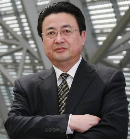 尚德电力控股有限公司集团副总裁雷霆
