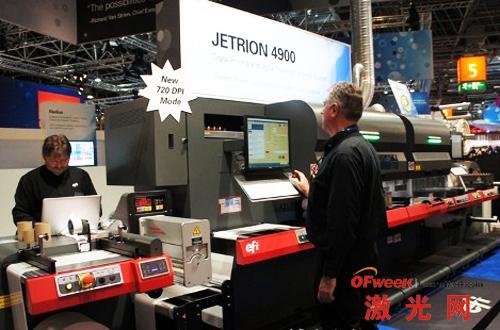 Jetrion 4900标签数码印刷生产线将不干胶标签数字印刷与激光模切结合在一起