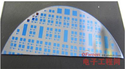 型混合存储体由NAND闪存单元和新型硅晶片ReRAM组合而成