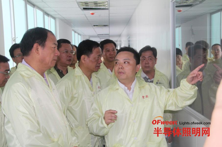 广东省科技厅厅长李兴华视察鸿利光电工业园