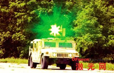 一辆悍马上装载的激光炫目器