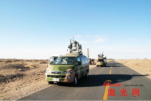 中电二十七所科技人员利用车辆在酒泉试验激光雷达技术
