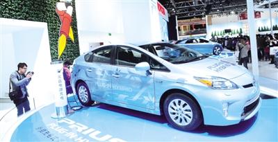 新能源汽车何时驶入快车道
