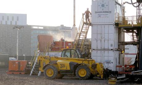 英国纽卡斯尔大学的新建筑施工点将实现碳中和,他们采用的是地下1800米钻孔所获取的地热能源