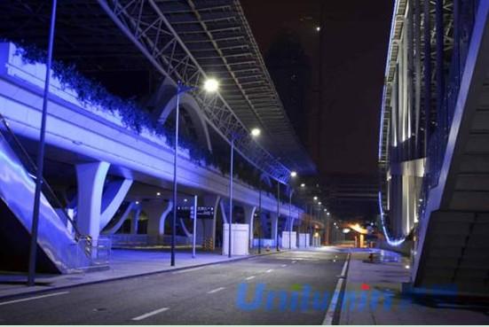 LED路灯闪耀琶洲展馆-洲明科技 LED照明前景可期 通路建设先行