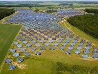 意大利的地理环境确实合适光伏体系,特别是意大利南部地区,因而即使没有补助,仍是会有一些光伏项目开工建造。但意大利将很难保持现在的太阳能商场规模