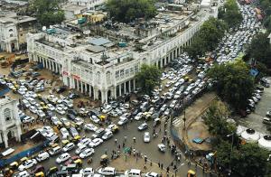 7月31日,印度首都新德里市中心由于停电引发了大面积的交通拥堵。