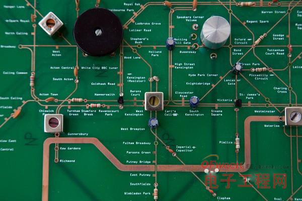 """地铁地图和收音机""""合体""""的电路板 图3"""