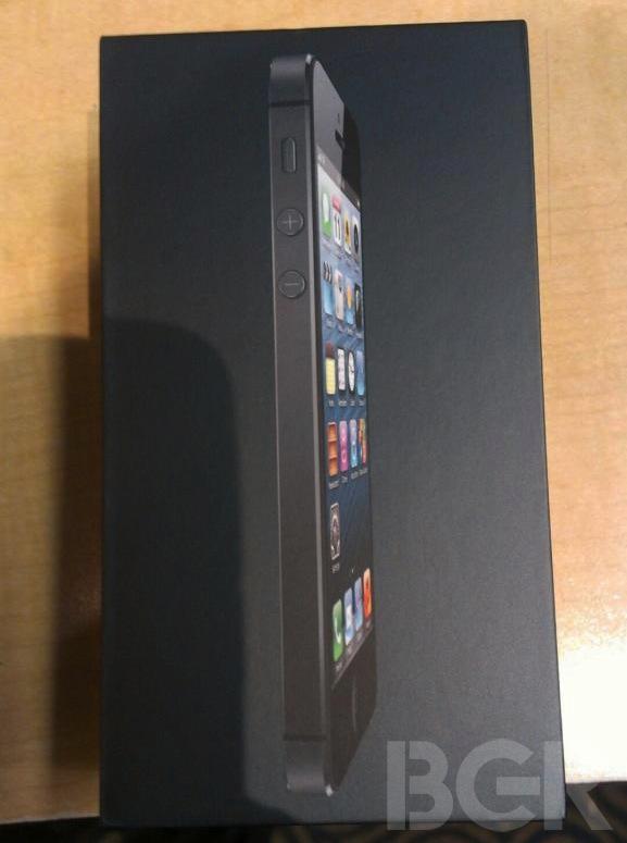 iPhone 5采用黑色包装盒