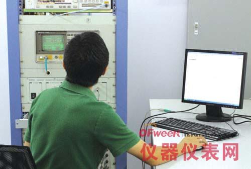 重庆无线电检测实验室工作现场