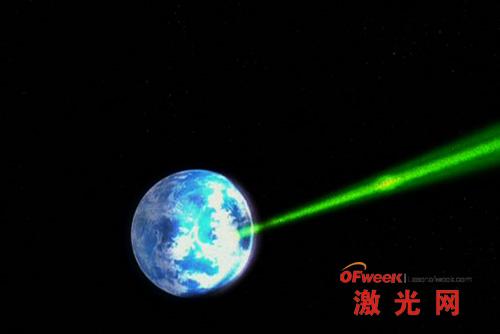 奥尔德兰行星在毁灭的瞬间开始感觉到死亡星球高级激光器的热量