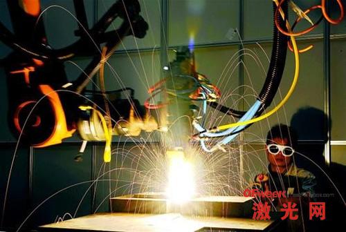 万瓦光纤激光设备