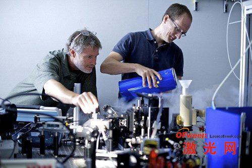 锗激光可生产更快计算机芯片