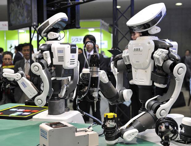 """光荣采用的人型机器人—""""NEXTAGE""""。"""