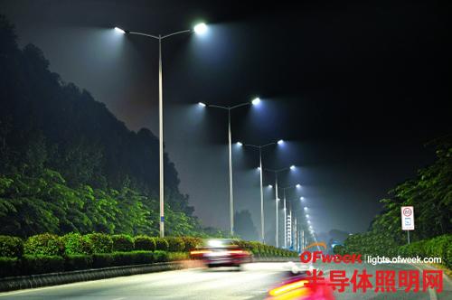 广东中山南外环全线换LED灯