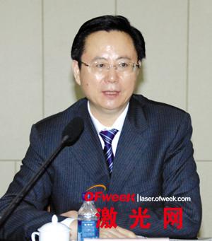 全国人大代表、鞍山市市委书记王世伟