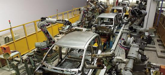 制造业数字化转型升级 工业机器人市场再度走热
