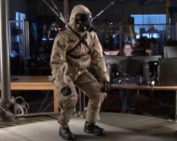 高性能仿生机器人测试军备