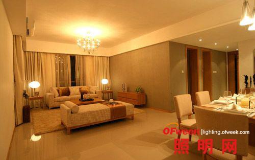 用照明设计营造客厅艺术格调(组图)