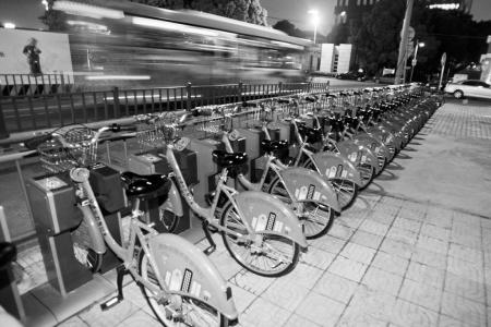 世界无车日 环保出行从骑自行车开始