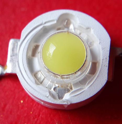窥视LED灯珠的奥秘:1W LED灯珠拆解
