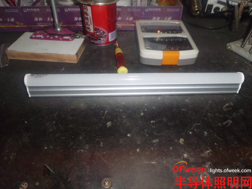 拆拆看 晶映T5LED灯管一体化LED