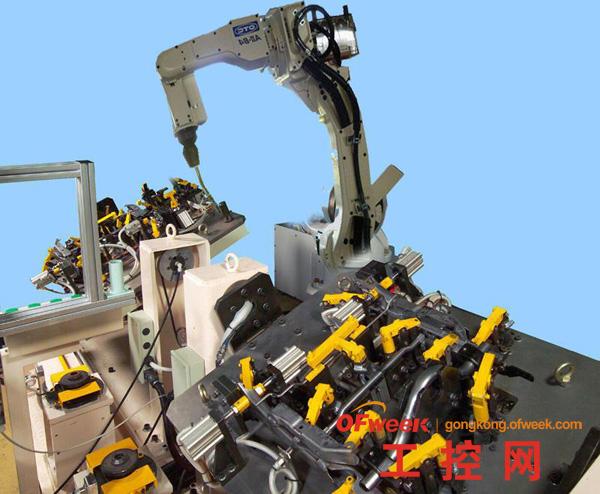 世界首条叉车机器人焊接线长沙建成