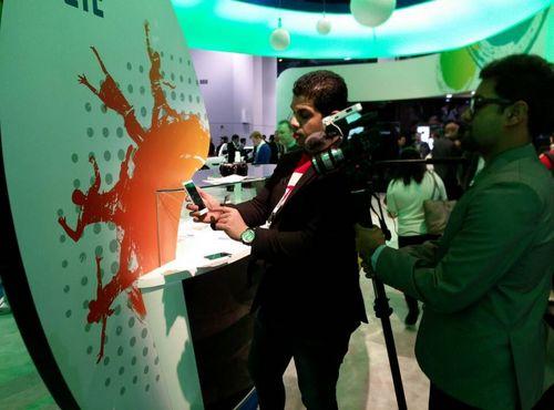 努比亚Z5S LTE光学防抖 闪耀CES2014展