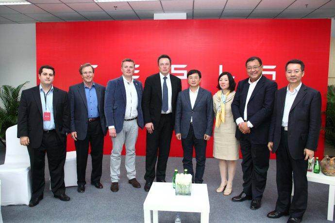 中国联通为特斯拉提供车载通讯服务:运营商圈地车联网
