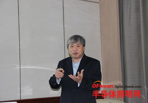 Dialog半导体有限公司固态照明产品营销总监Hubie Notohamiprodjo