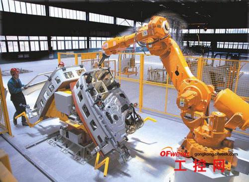 《中国科学报》记者指出,国家已经出台了工业机器人产业发展的