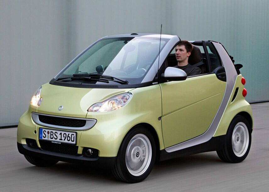 娱乐至死的年代 电动汽车要不要拥抱移动互联网?