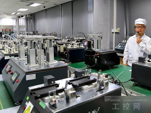 实地拍摄:oppo工厂自动化电子生产线
