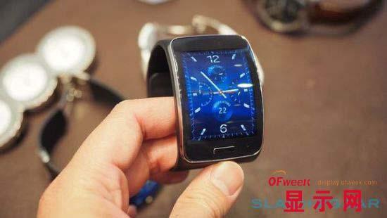 首款支持3G的手表:弧形S-AMOLED屏幕Gear S上手