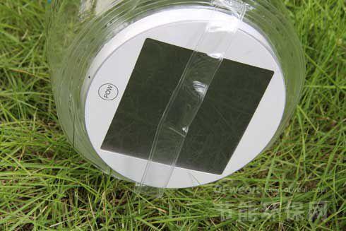 h的锂电池,把太阳能玻璃板放在太阳下暴晒9-12个小时