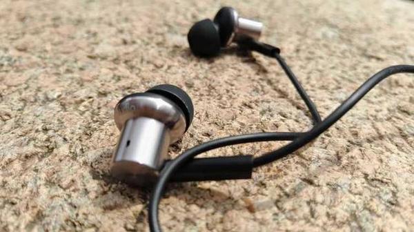 小米圈铁耳机开箱简评:致命的廉价带来什么?