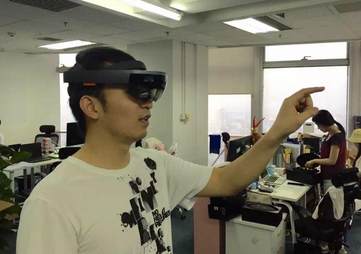 解密微软HoloLens AR眼镜 下一代计算平台在眼镜端?