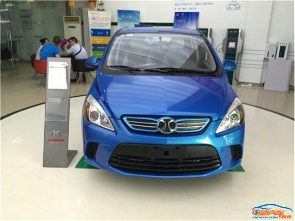 12款主流纯电动汽车一览 电池续航里程 充电桩安装情况高清图片