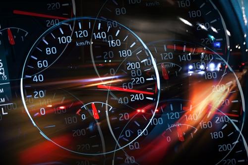 从几毫伏到数英里:电池管理IC如何影响汽车性能